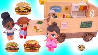 LOL Surprise Dolls Eat Fast Food At Best Burger Place EVER !?
