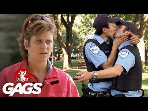 Policias violadores en la calle