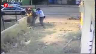 Police Officer Viciously Attacks Ethiopian IDF Soldier [video]