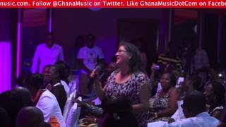 White lady is Samini's biggest fan @ Kwabena Kwabena's Save A Life concert
