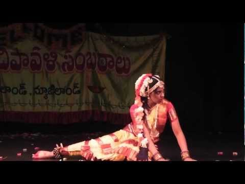 Chandramukhi Rara Dance by Sushma Kuncha - New Zealand Telugu...