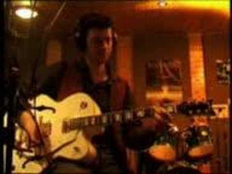 Haystack Life featuring guitar by Albert Lee