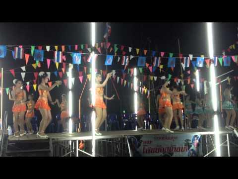 รำวงย้อนยุค เพชรบุรี(รำแก้บน 9 รอบ 9 ผลงานเพลง)