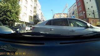 Araç içi canlı kaza anı
