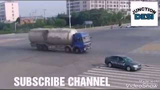 Highway Live Accident caught in CCTV Camera.