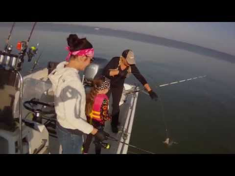 Girls catch fish Lake Tawakoni
