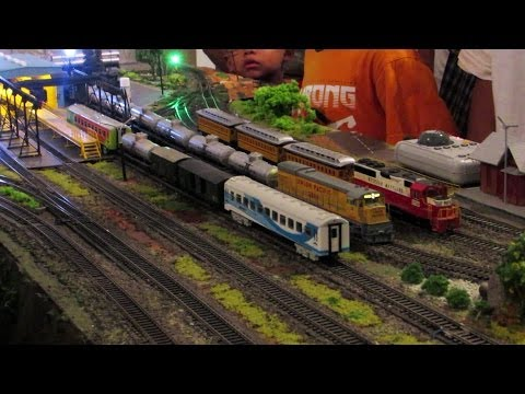 Miniatur Kereta Api Bermesin Uap | Steam Locomotive Model Train