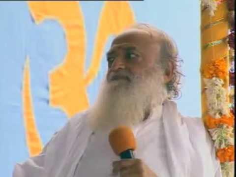 Asaram Bapu - Bhajan By Sureshanandji - Nahi Dekha Tumsa Koi, Jahan Mein Kahi video