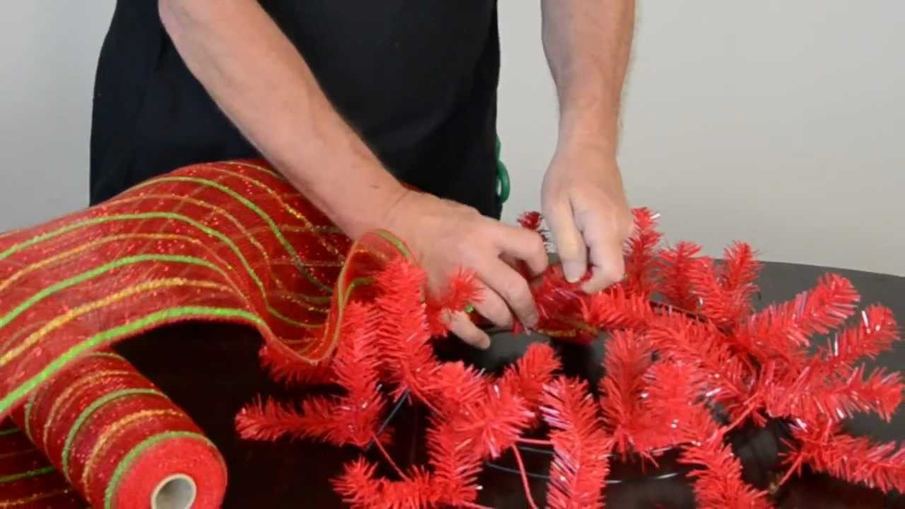 How To Make A Christmas Wreath With Deco Poly Mesh Youtube