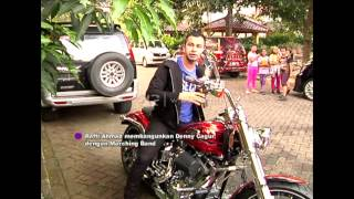 Raffi Ahmad Bangunin Denny Cagur Pake Marching Band - dahSyat 12 April 2015