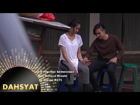 Tim Dahsyat mengintai kemesraan Baim Wong & Melayu Nicole [Dahsyat] [27 Okt 2015]