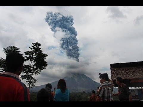 THOUSANDS EVACUATED AS INDONESIA'S MOUNT SINABUNG VOLCANO ERUPTS SUNDAY (SEPT 16, 2013)