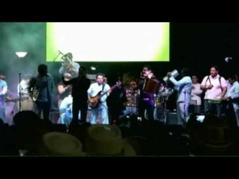 SILVESTRE DONGOND INVITA A PETER MANJARREZ A LA TARIMA