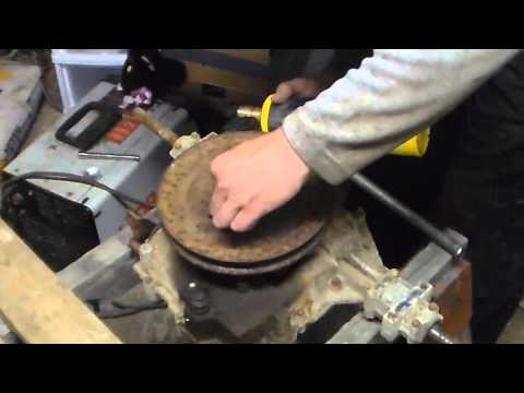 Remove a stuck transaxle pulley in less then 5 minutes