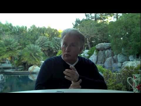 Martin Sheen Interviewed in His Backyard by Scott Feinberg