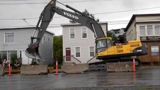 Volvo Ec460C Moving Trench Box