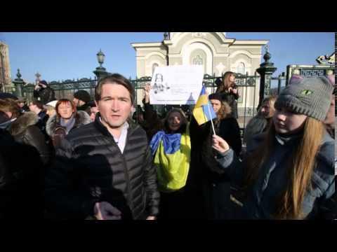Ukraine crisis: Vitali Klitschko kept away from Donetsk by pro-Russian protesters