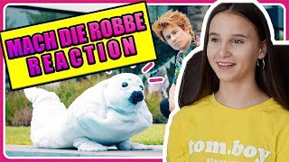 Celina macht die Robbe , Julien Bam / Reaction - Celina