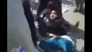 تحرش جنسي فاضح في وضح النهار وسط الشارع