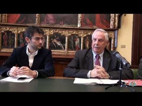 Massimo Zedda e l'assessore Pierluigi Leo presentano il nuovo piano per il risparmio energetico
