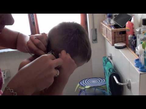 Taglio di capelli BAMBINI DIVERTENTI VLOG