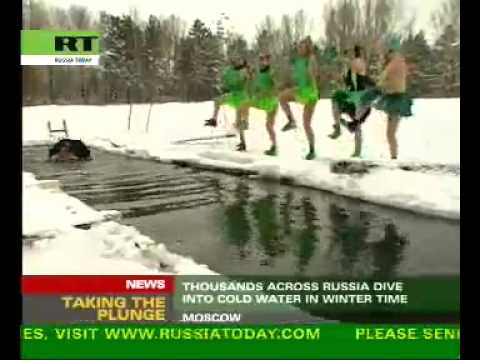 Chilling performance    naked actors in Moscow River