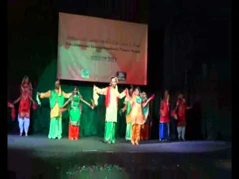 Punjabi dance Bolo ta ra ra by Abhinaya Moscow