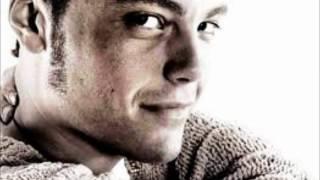 Watch Tiziano Ferro Ciento Once video