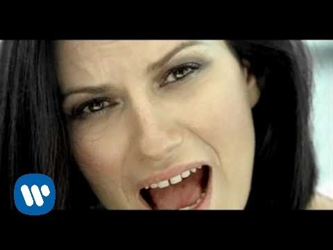 Laura Pausini - En Cambio No (Official Music Video) klip izle