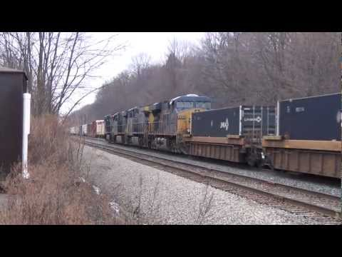 Fast Moving CSX Intermodal Train 21012