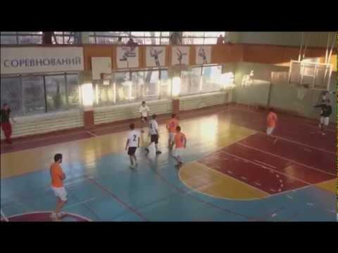 Первая игра в спортивных лигах КБГУ по футболу.