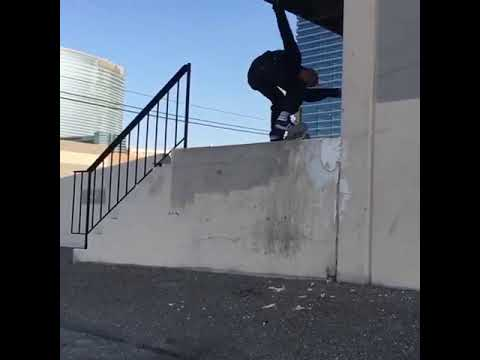 This is unreal @icelandiceman 💥🔨 | Shralpin Skateboarding