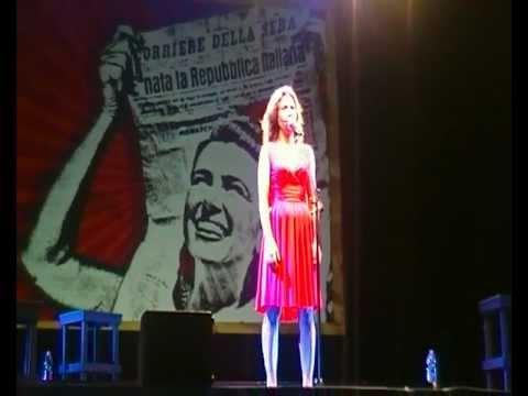 Sabina Guzzanti tour – Napoli 22 luglio Castel Sant'Elmo (Barbato-de Magistris)