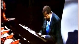 WAVE (TOM JOBIM) - OSCAR PETERSON - LIVE BBC - 1976