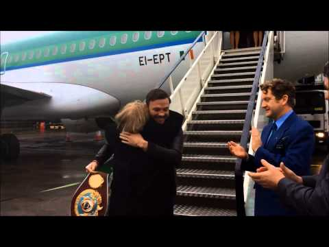 Shannon Airport welcomes World Boxing Champion Andy Lee
