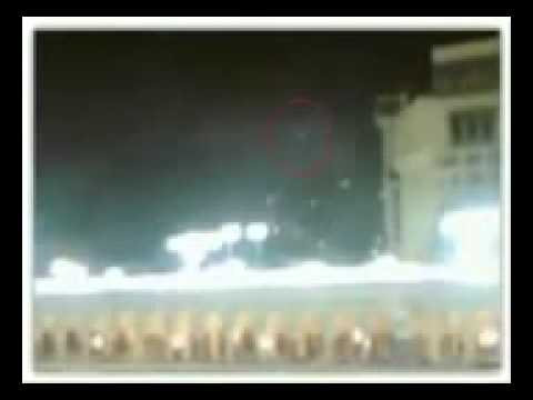 For all muslimz Real photo of angel around khana kaba :Subhanallah:
