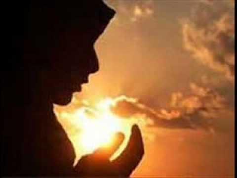 kucuk kiz arapca ilahi soyluyor