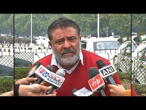 Watch: Yuvraj Singh's father accuses M S Dhoni