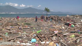 Indonesia tsunami: Survivors describe ordeal