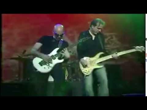 Joe Satriani - Houses Of Locusts