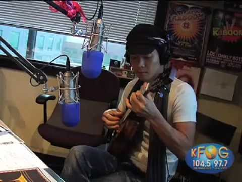 "Jake Shimabukuro performs Michael Jackson's ""Thriller"" on KFOG Radio"