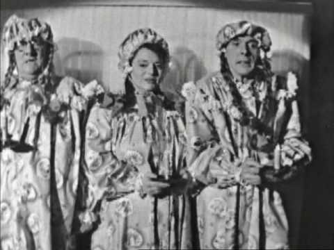 Hattie Jacques, Eric Sykes and Billy Cotton - I Saw Mommy Kissing Santa Claus