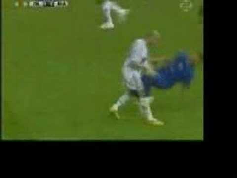 Best Player Ever Zinédine Zidane razi de mori