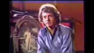 Watch Neil Diamond Mr. Bojangles video