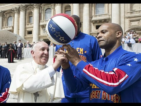 Basketball's new star Pope Francis meets Harlem Globetrotters