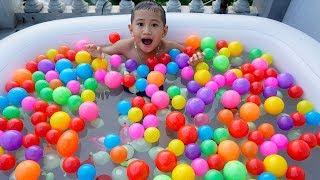Trò Chơi Tắm Với 1000 Quả bóng Màu Sắc - Bé Nhím TV - Đồ CHơi Trẻ Em Bóng Nhựa Bóng Nước