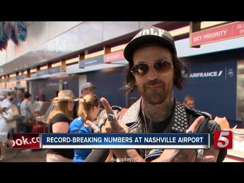 Yelawolf @ Nashville International Airport (13.06.2016)