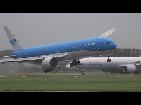 Que muñeca la del piloto de este Boeing 777
