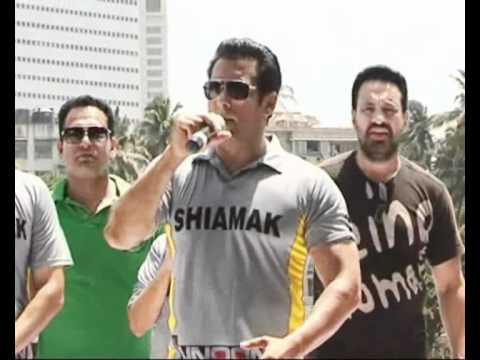 Salman Khan plays Cricket for Charity Part 2