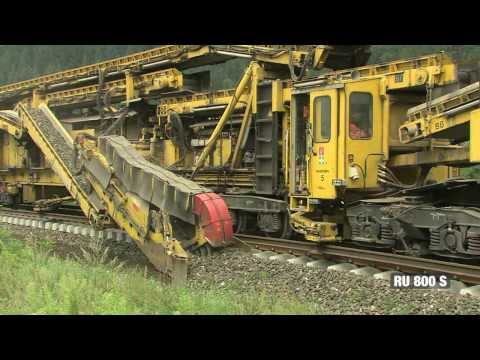 This Giant Mechanism Lays Down Train Tacks